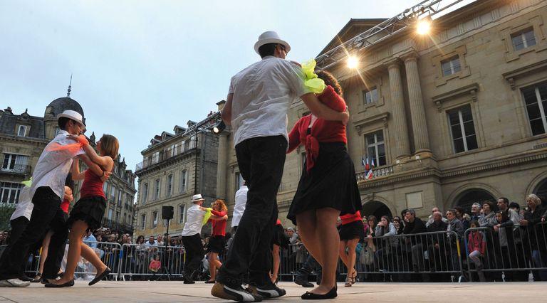 Culture. L'action municipale s'organise autour de trois grands pôles : lecture, enseignement artistique, patrimoine et art.