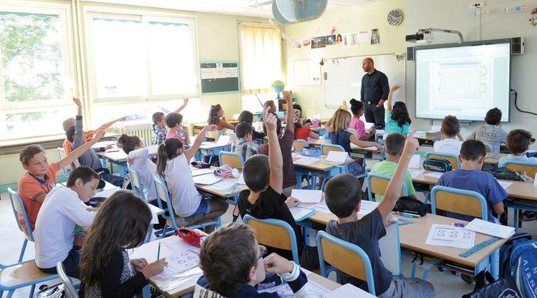 Assurer les meilleures conditions d'études. Toutes les classes élémentaires sont équipées d'un tableau numérique interactif